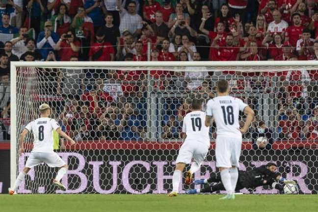 Jorginho perdeu o pênalti que poderia ter dado a vitória para a Itália