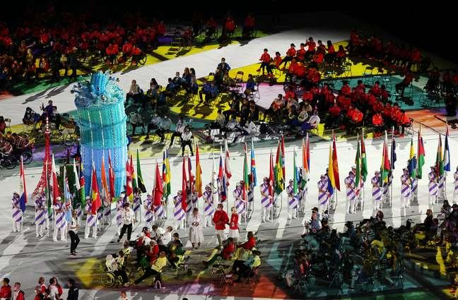Desfile da delegações dos países representados pelos atletas no encerramento da Paralimpíada de Tóquio Kim Kyung-Hoon Reuters