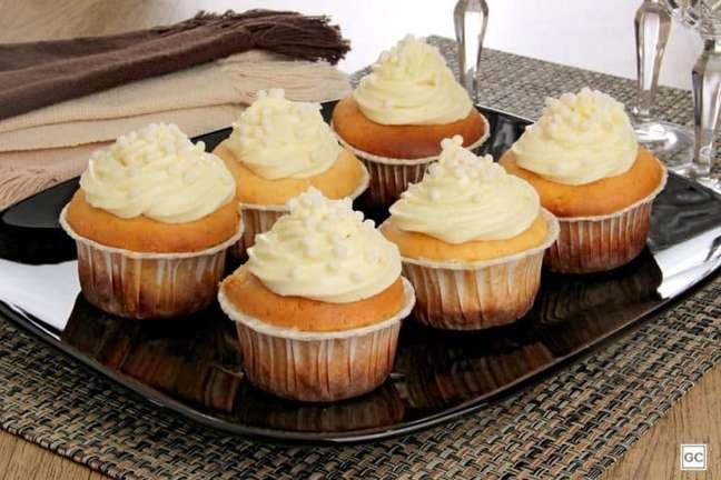 Guia da Cozinha - Cupcake de Leite Ninho® decorado