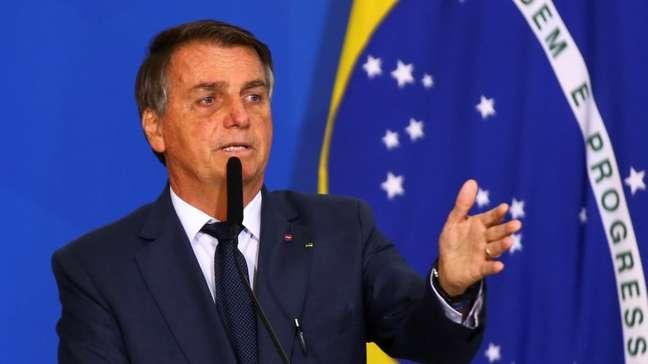 Presidente Jair Bolsonaro durante assinatura de MP sobre mercado de combustíveis