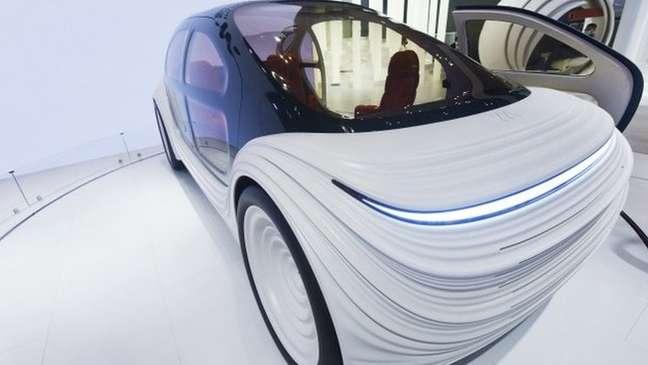 O exterior do carro é ondulado para refletir o fluxo de ar sobre ele