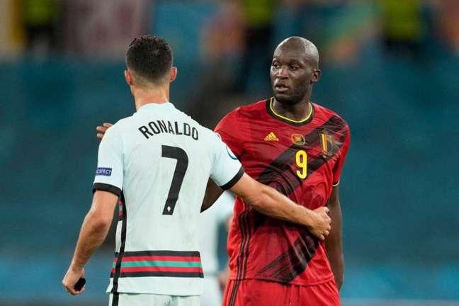 Lukaku não quer saber de comparação com Cristiano Ronaldo (Foto: THANASSIS STAVRAKIS / POOL / AFP)