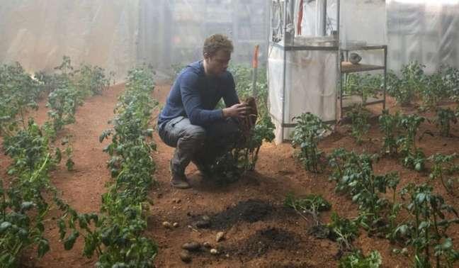 """No livro/filme """"Perdido em Marte"""", Mark Watney permaneceu 549 sols no planeta vermelho, ou 1 ano, 6 meses e 18 dias"""