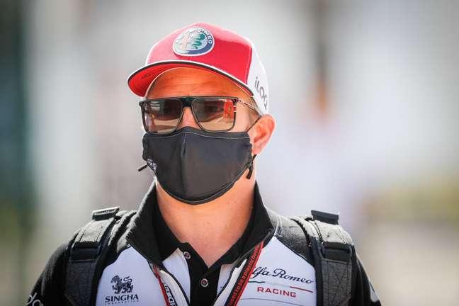 Kimi Räikkönen segue com Covid-19