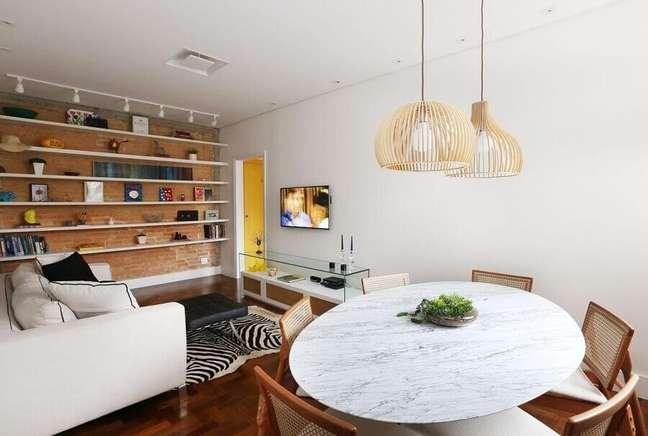 30. Decoração simples para sala de estar e jantar integrada com parede tijolinho rustica – Foto: Archduo Arquitetura
