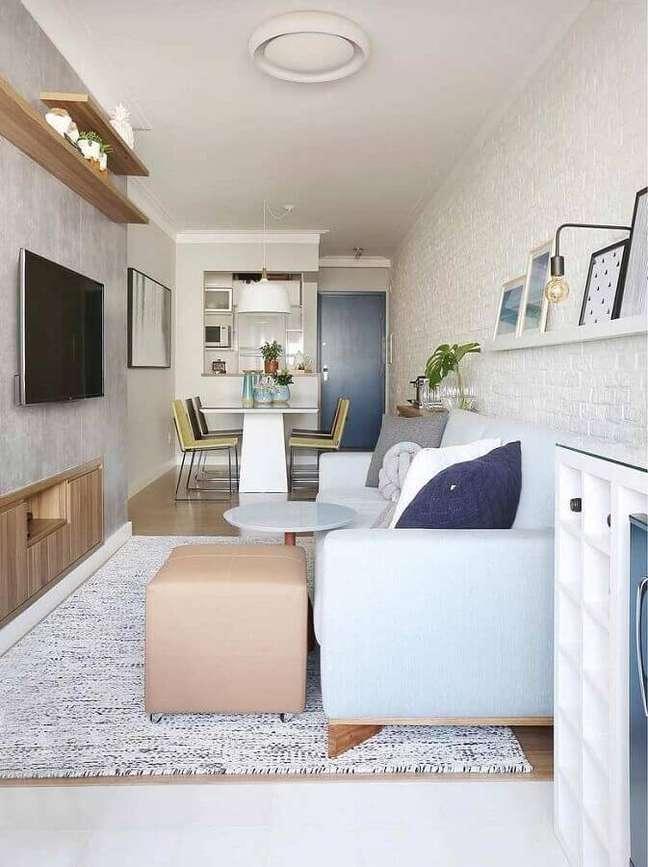 45. Parede de cimento queimado para decoração de sala de estar e jantar integradas pequenas – Foto: Home Fashion Trend