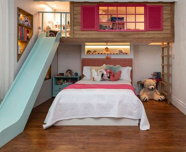 2. Quarto infantil estilo casinha traz alegria e diversão para a criança. Projeto de Marta Calasans