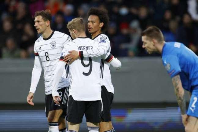 Alemães golearam islandeses pelas Eliminatórias (Foto: ODD ANDERSEN / AFP)