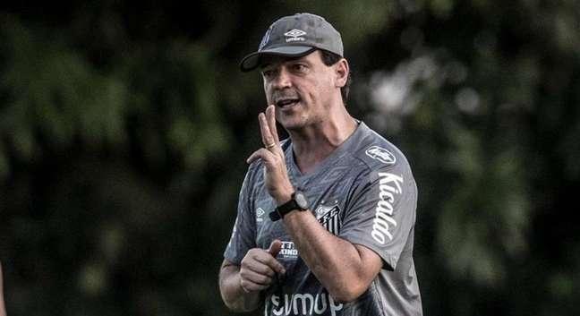 Fernando Diniz é anunciado no Vasco para a sequência da Série B do Brasileirão.