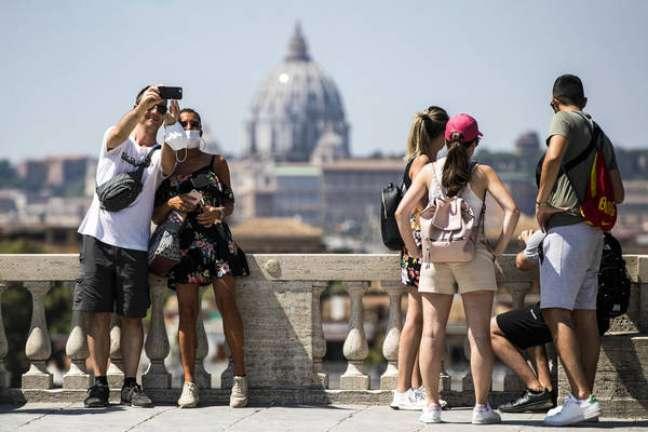 Movimentação em Roma, capital da Itália