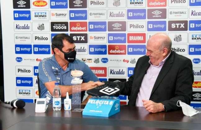 O técnico Fábio Carille foi apresentado pelo Santos nesta quinta-feira (Foto: Reprodução/SantosFC)