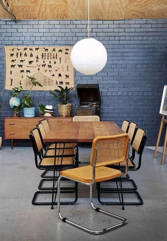 7. Mesa de jantar moderna com cadeira cesca – Foto Henry Trumble