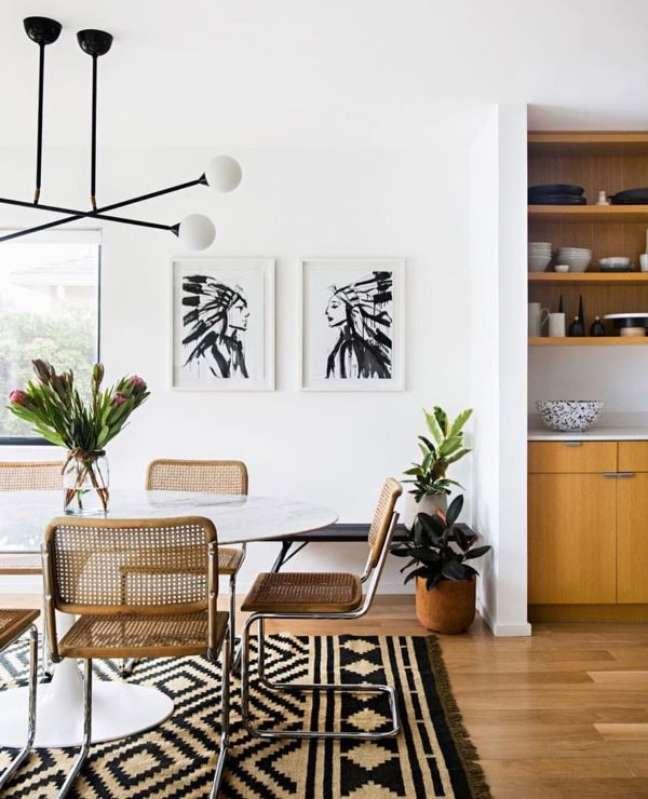 20. Sala de jantar com cadeira cesca – Foto Nina freudenberger