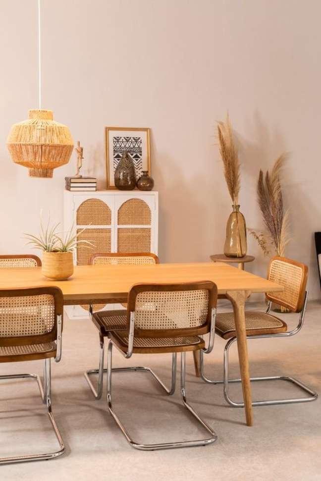 39. Cadeira cesca na sala de jantar boho chic – Foto Sklum