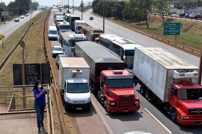 Veículos em rodovia afetada por protesto de caminhoneiros 9/09/2021 REUTERS/Washington Alves