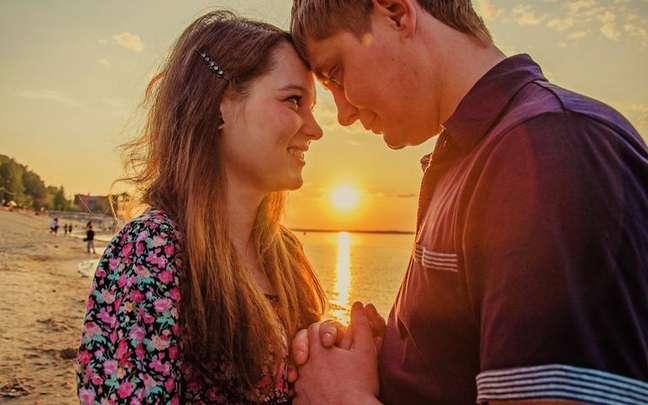 Confira tudo o que os astros reservam para os relacionamentos neste fim de semana! - Shutterstock