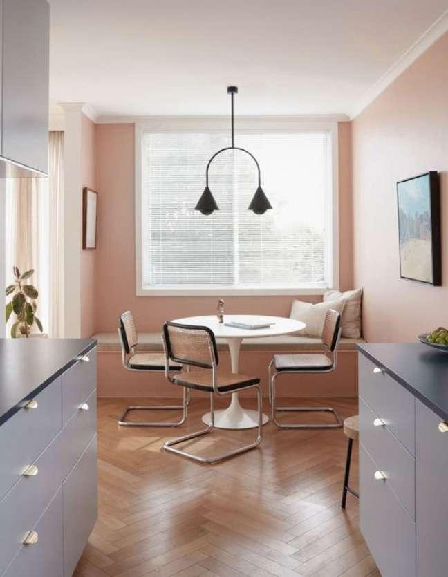 12. Mesa para cozinha com cadeira cesca – Foto Sean Fennessy Design Jessica Lillico