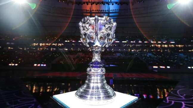 Troféu do Worlds 2020 de League of Legends