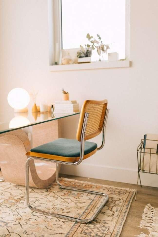 5. Cadeira cesca com estofado macio verde – Foto Samantha Nicole