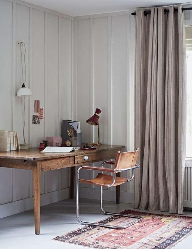 50. Escritório com cadeira cesca moderna – Foto Loom e Last