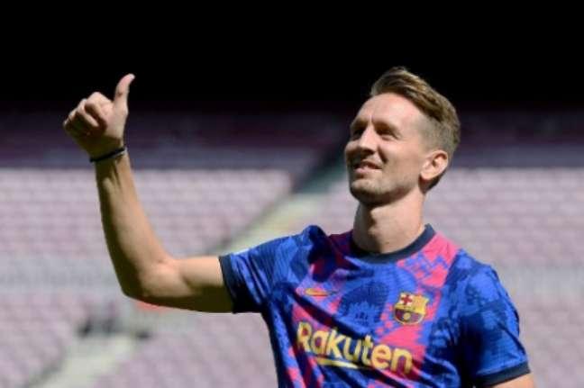 Luuk de Jong foi apresentado pelo Barcelona (Foto: JOSEP LAGO / AFP)