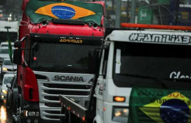 Caminhoneiros de diversas partes do Brasil, como em Gravataí (RS), fizeram manifestações pró-Bolsonaro