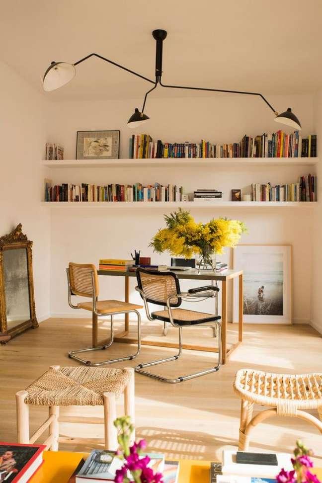 49. Escritório com cadeira cesca Foto Cesar Segarra
