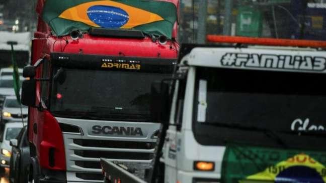 Bloqueio de caminhoneiros começou em resposta a discursos de Bolsonaro no 7 de setembro - e corre o risco de tomar proporção maior, mesmo contra a vontade do presidente