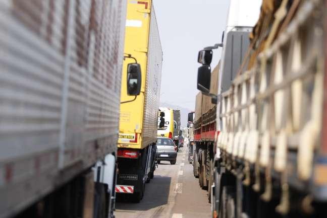 A greve dos caminheiros em Igarapé, na BR-381, região metropolitana de Belo Horizonte (MG), foi interrompida no fim da manhã desta quinta-feira, 9 de setembro de 2021, com liberação da pista pela Polícia Militar (PM) e pela Polícia Rodoviária Federal (PRF