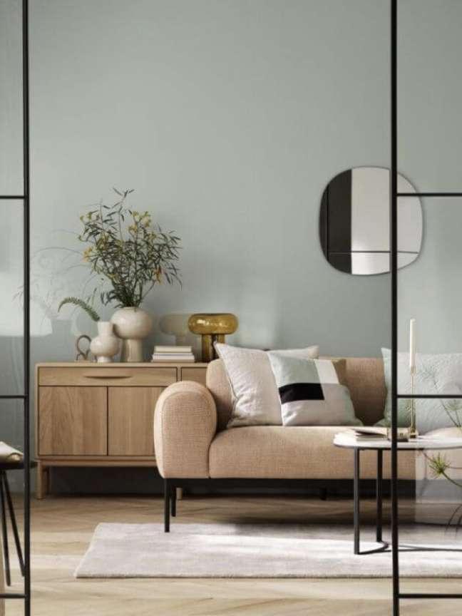6. Sala sage green com sofá bege – Foto Architecture Art Designs