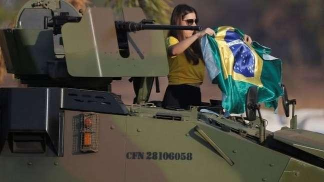 Se Bolsonaro se negasse a autorizar uso do Exército para proteger o Supremo, poderia ser responsabilizado caso o prédio do tribunal fosse invadido ou depredado