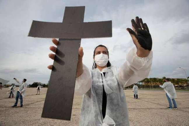 Protesto em homenagem às vítimas da Covid em Brasília