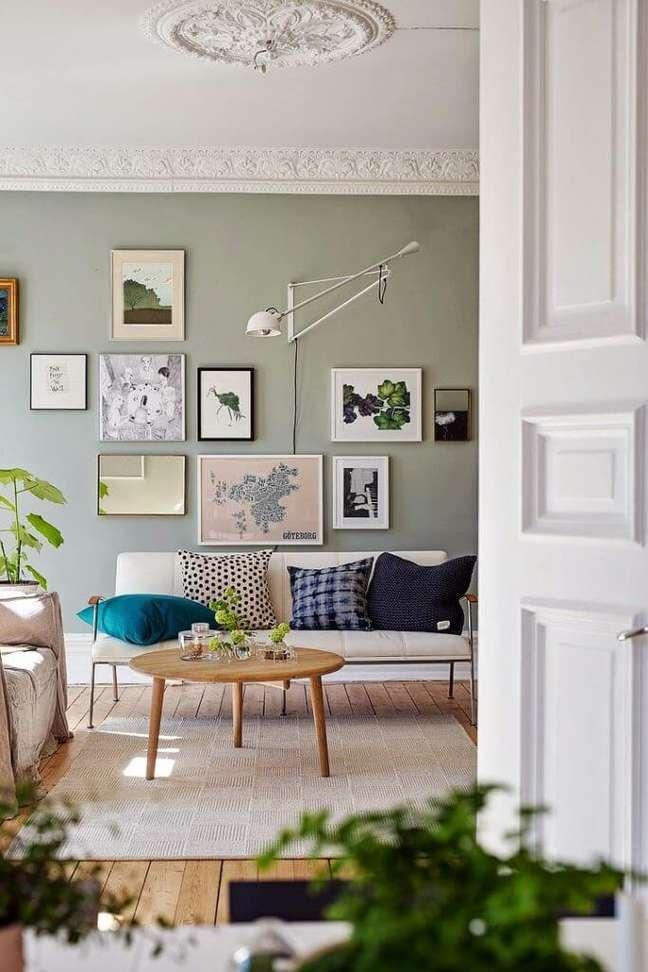 5. Parede verde sage na decoração colorida e suave – Foto Alvhem Via My Scandinavian Home