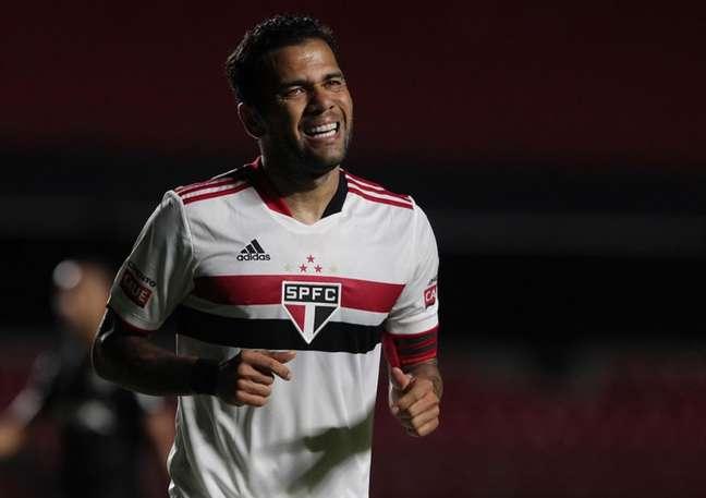 Passagem de Daniel Alves pelo São Paulo foi abaixo do esperado (Foto: Rubens Chiri)
