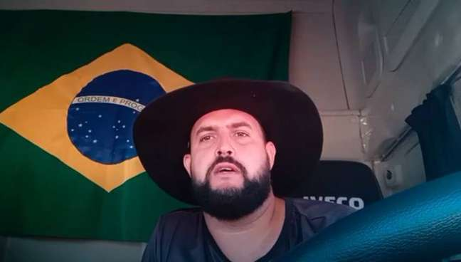 O caminhoneiro Marcos Antônio Pereira Gomes, conhecido como Zé Trovão.