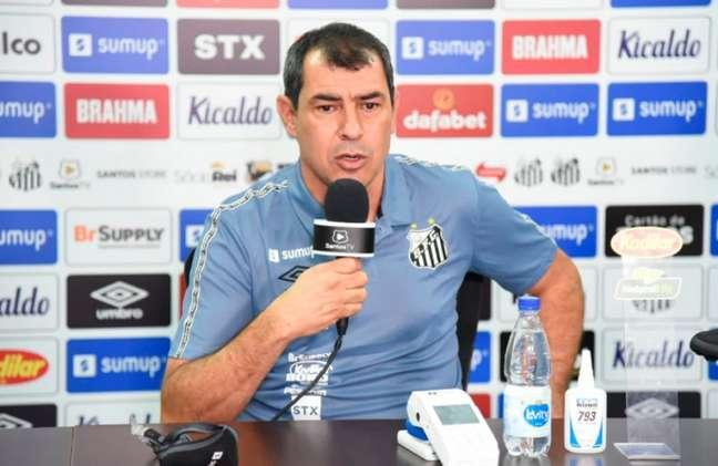 Fábio Carille foi apresentado no Santos nesta quinta-feira (Foto: Reprodução/SantosFC)