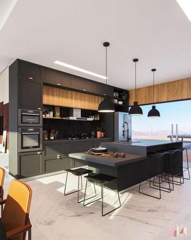 17. Armários pretos para decoração de cozinha planejada grande com ilha gourmet – Foto: Paloma Rodrigues Arquiteta