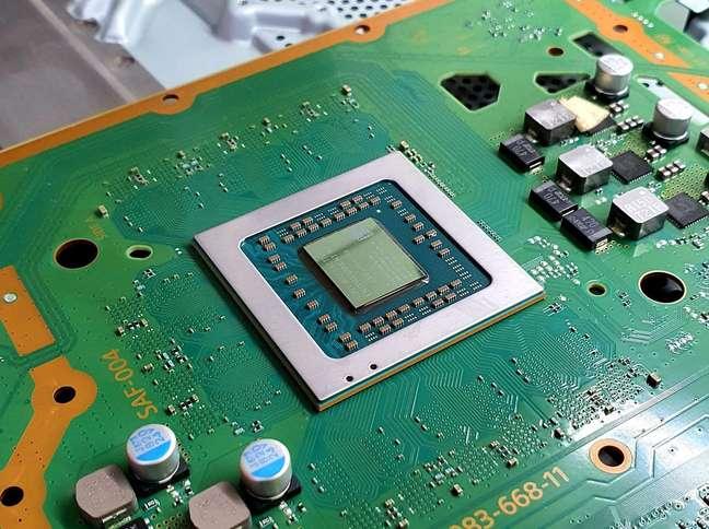 Processador e placa de console limpos