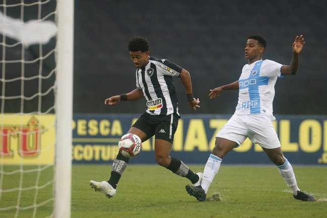 Warley inaugurou o marcador no Estádio Nilton Santos. (Foto: Divulgação/Vítor Silva)