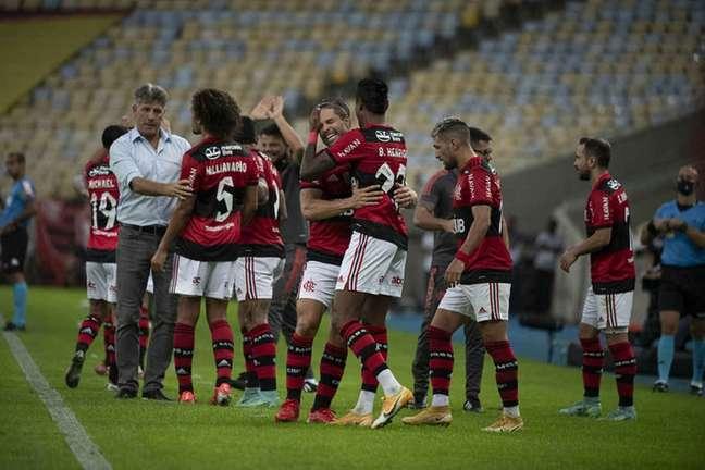 Jogadores do Flamengo comemorando uma das vitórias no Campeonato Brasileiro (Foto: Alexandre Vidal/Flamengo)