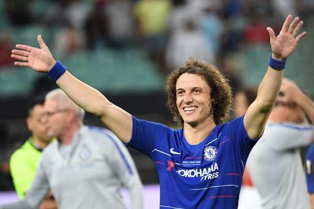 David Luiz assinou contrato até o fim de 2022 (Foto: AFP)