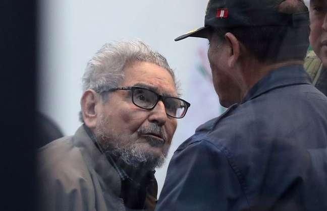 Fundador do Sendero Luminoso, Abimael Guzmán, comparece a julgamento durante sentença de um caso de carro-bomba do Sendero Luminoso em Miraflores. Callao, Peru, 11/09/2018. REUTERS/Mariana Bazo