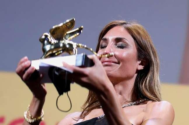 """Audrey Diwan recebe o Leão de Ouro de melhor filme po """"L'événement"""" no Festival de Veneza, Veneza, Itália, 11/09/2021 REUTERS/Yara Nardi"""