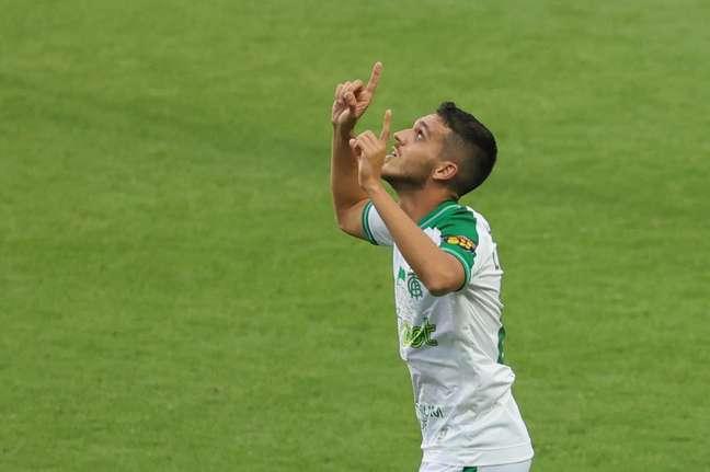 América-MG vence o Athletico-PR por 1 a 0