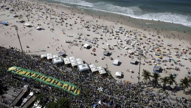 Protesto pelo impeachment de Dilma Rousseff, no Rio, em 2015; movimento pela queda da presidente foi ganhando fôlego até 2016