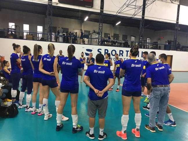 Seleção feminina ganhou a prata nos Jogos de Tóquio – Foto: Divulgação/CBV