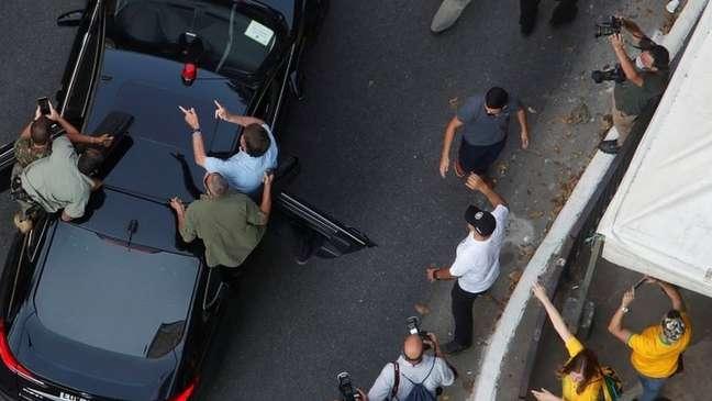 Bolsonaro chegando à manifestação em São Paulo, em 7 de setembro; presidente tem o apoio de um quarto da população brasileira e construiu aliança com boa parte do Centrão