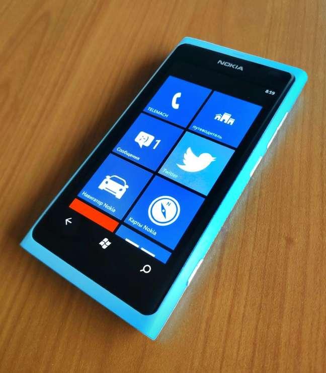 Lumia 800, um dos primeiros modelos com Windows Phone