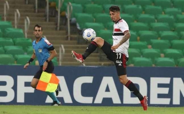 Rigoni entrou no segundo tempo da partida contra o Fluminense (Foto: Rubens Chiri / saopaulofc.net)