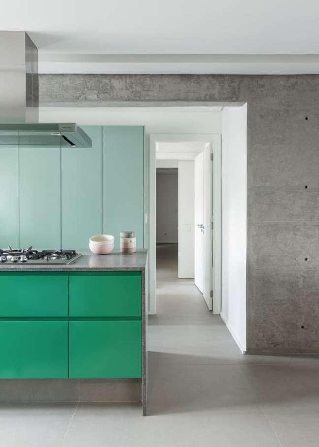 4. Tons de verde e menta trazem personalidade para a cozinha. Foto: Studio Julliana Camargo